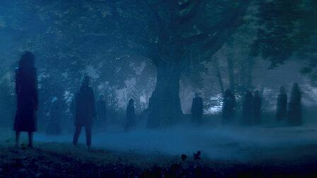 觀賞第 10 章:巫異時刻。第 1 季第 10 集。
